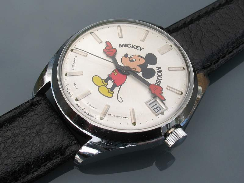 Helbros-Mickey-Mouse-Chrome-Case-PUW-2001-2.jpg
