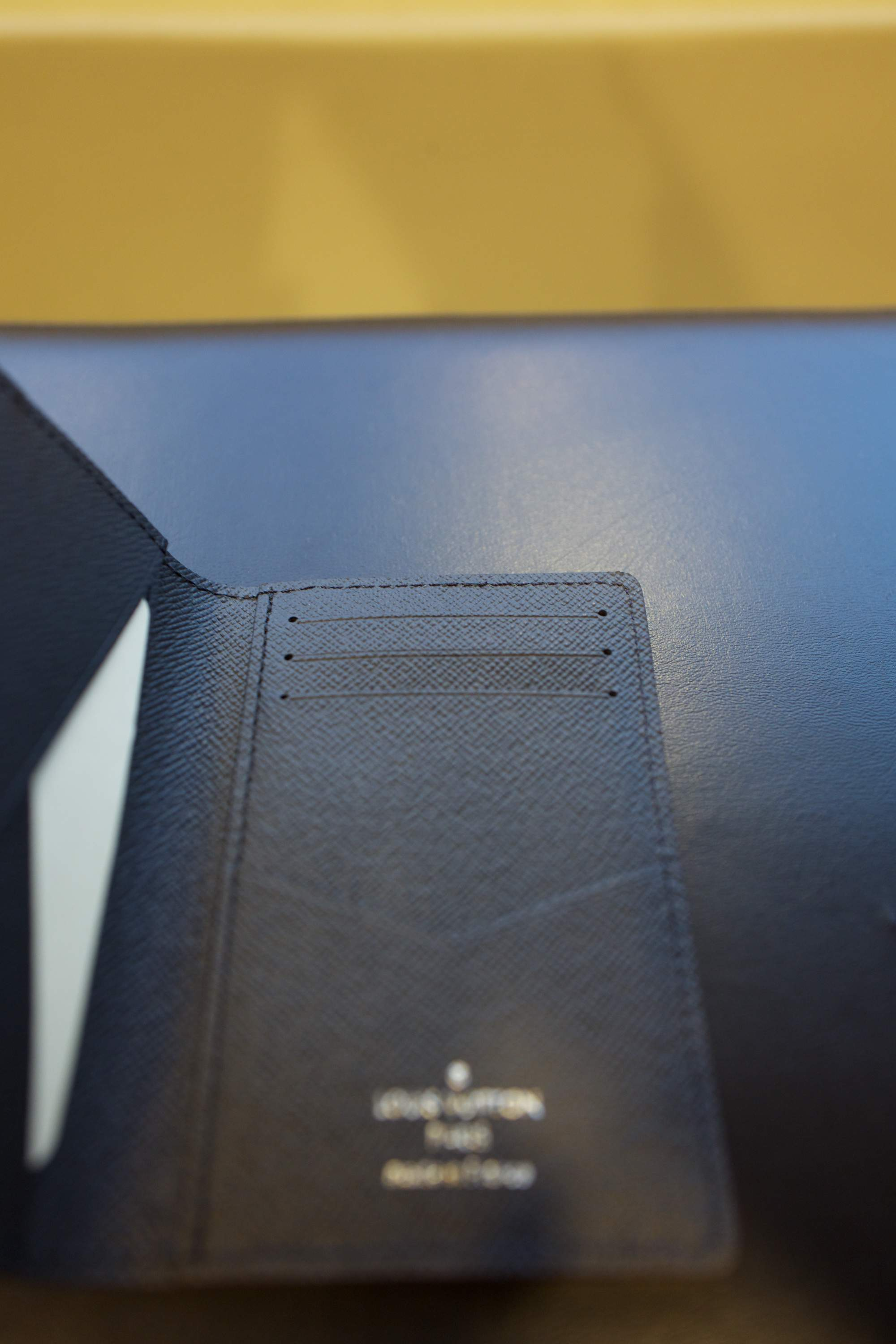 LV card holder6.jpg