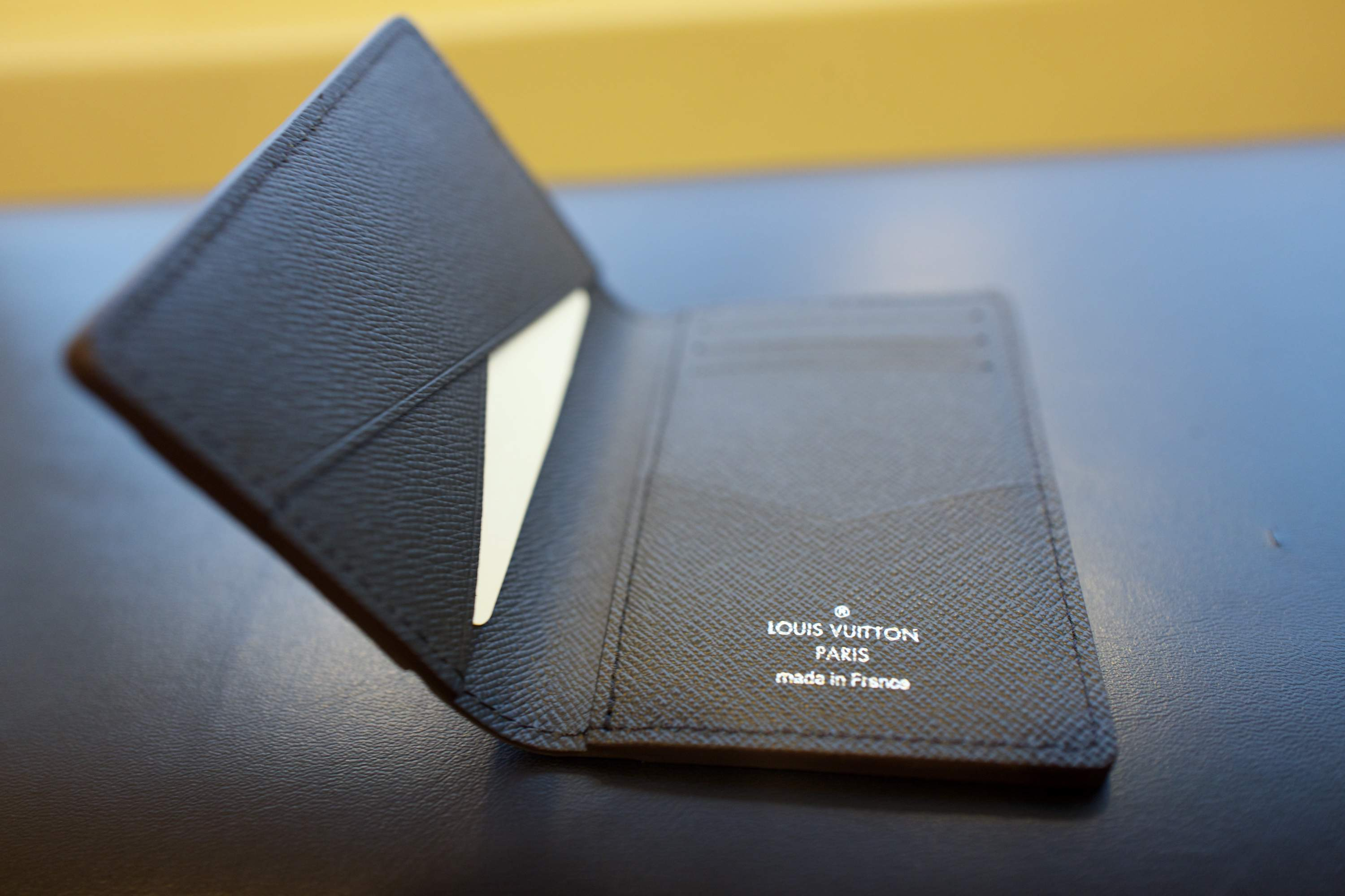 LV card holder5.jpg